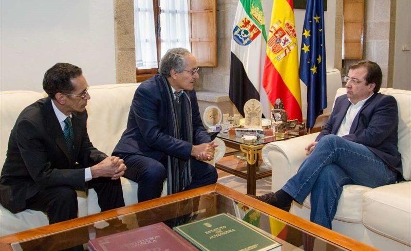Fernández Vara recibe al ministro de Cooperación del Frente Polisario, Bul-Lahi Mohamed Fadel