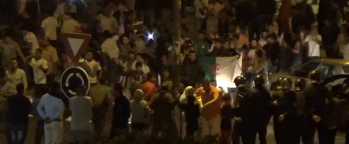 Miles de saharauis salen a las calles para celebrar la victoria de Argelia | POR UN SAHARA LIBRE .org