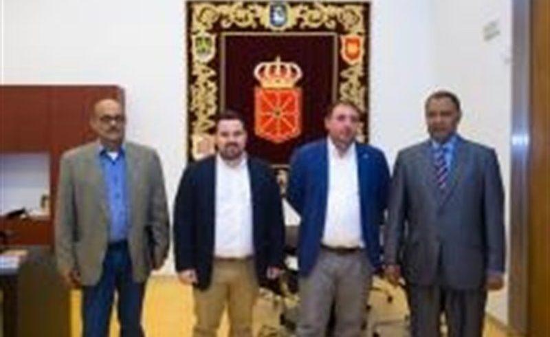 El presidente del Parlamento recibe al nuevo delegado del Frente Polisario para la Comunidad foral