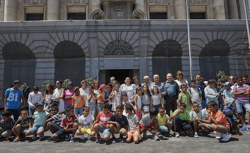 El Cabildo de Tenerife recibe a los niños saharuis que pasan sus vacaciones en la isla