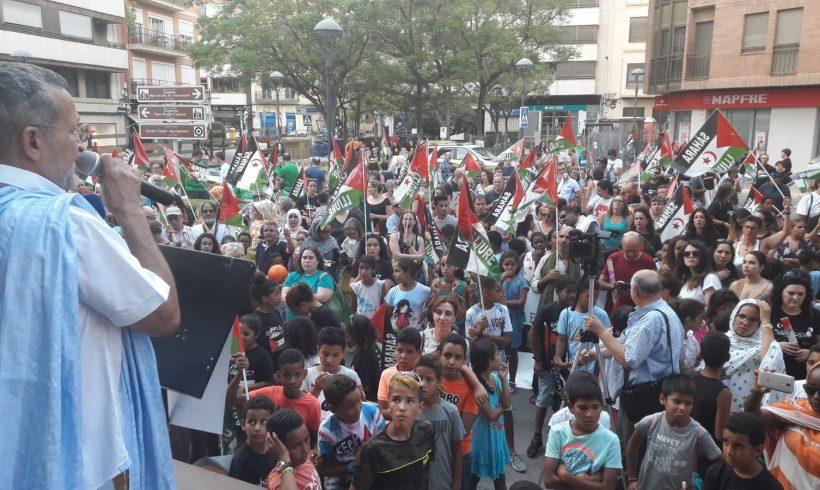 España: centenares de personas se marchan en el Vall d'Uixó, (provincia de Castellón) por un Sahara Libre