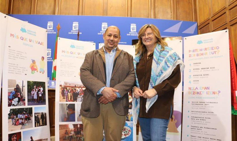El programa Oporrak Bakean busca un centenar de familias para acoger niños refugiados saharauis